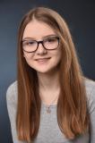 Laura macht office management bei myDartpfeil