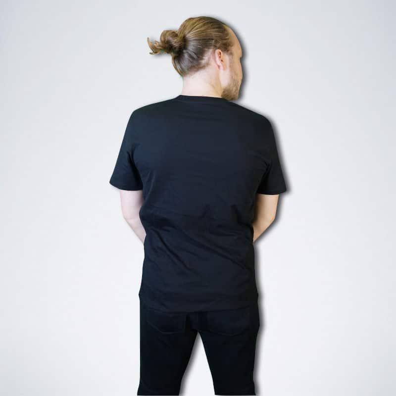 schwarzes Herren T-Shirt von hinten