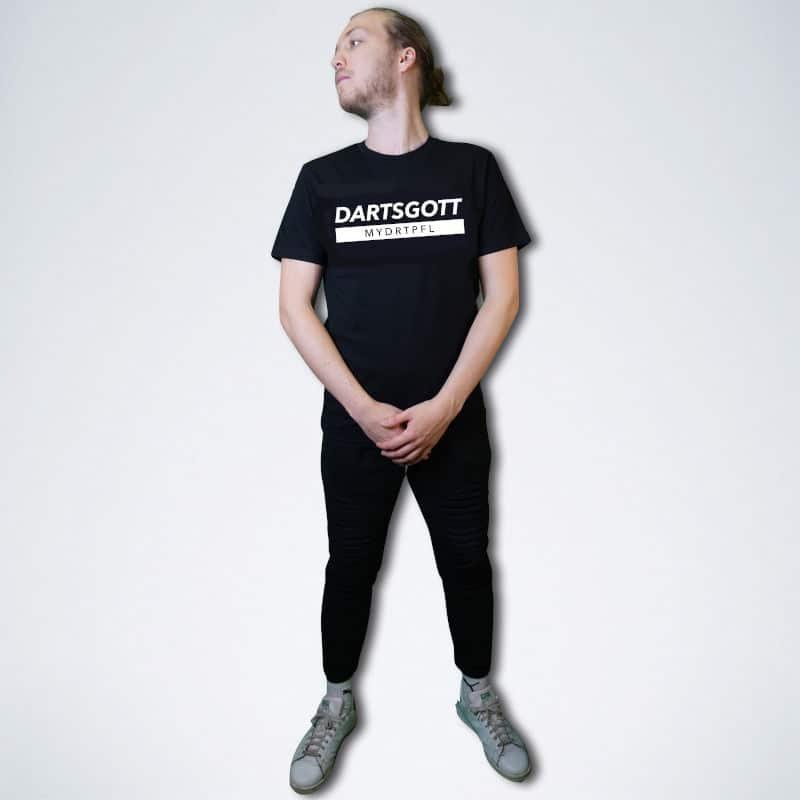 """schwarzes Herren T-Shirt mit weißem Schriftzug """"Dartsgott"""" von vorne"""
