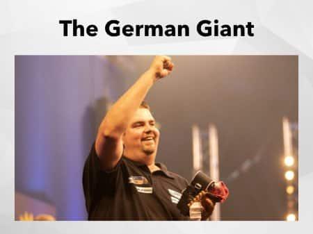 Gabriel Clemens freut sich auf der Bühne