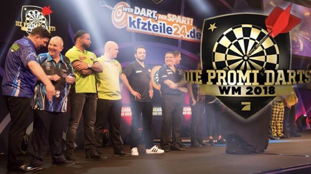 Promi Darts WM 2018 Teilnehmer auf der Bühne