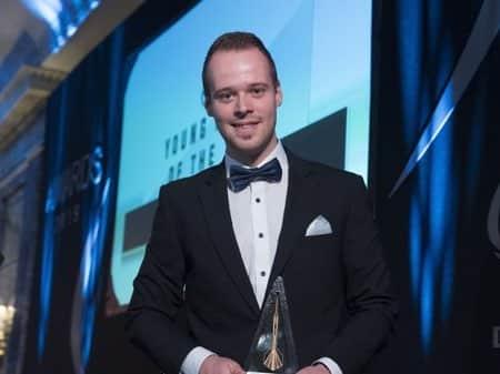 Max Hopp mit Darts Award