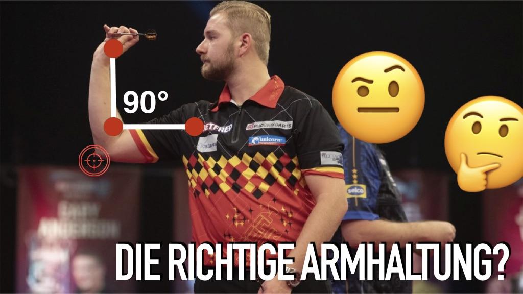 Dartspieler beim Werfen, 90 Gradwinkel, zwei nachdenkende Emojis